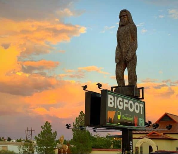 Exterior shot of Bigfoot Restaurant in Elephant Butte