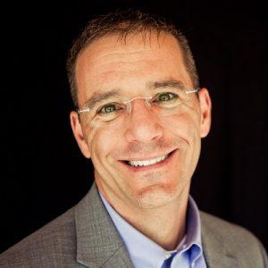 headshot of columnist Doug Lynam
