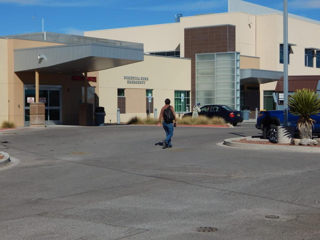 Sierra Vista Hospital emergency room entrance